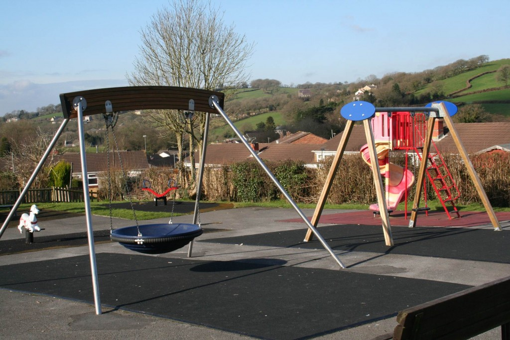 Playing apparatus in Drefach park